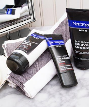 Neutrogena® Men Skin Clearing Shave Cream