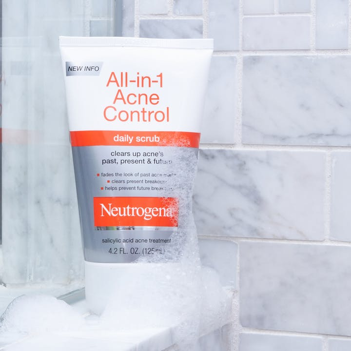 All-in-1 Acne Control Daily Scrub