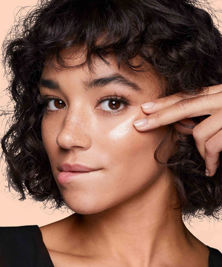 Neutrogena® Glow On Highlighter