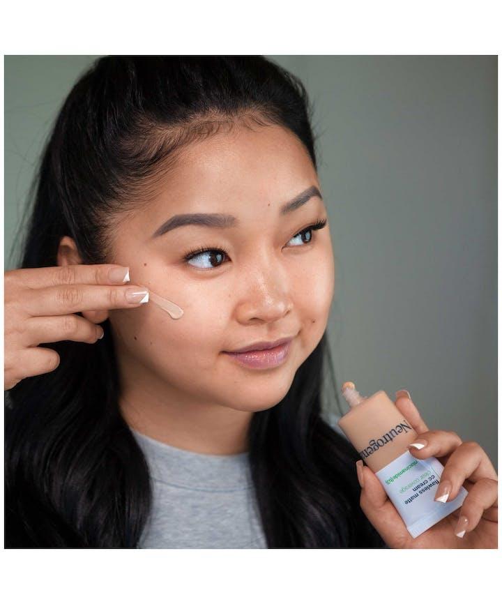 Neutrogena® Clear Coverage Flawless Matte CC Cream